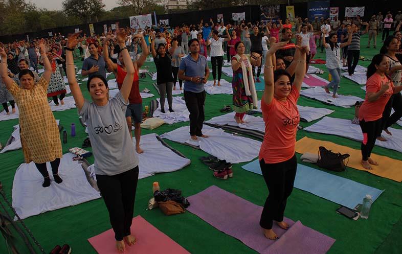 Shilpa shetty yoga class crowd