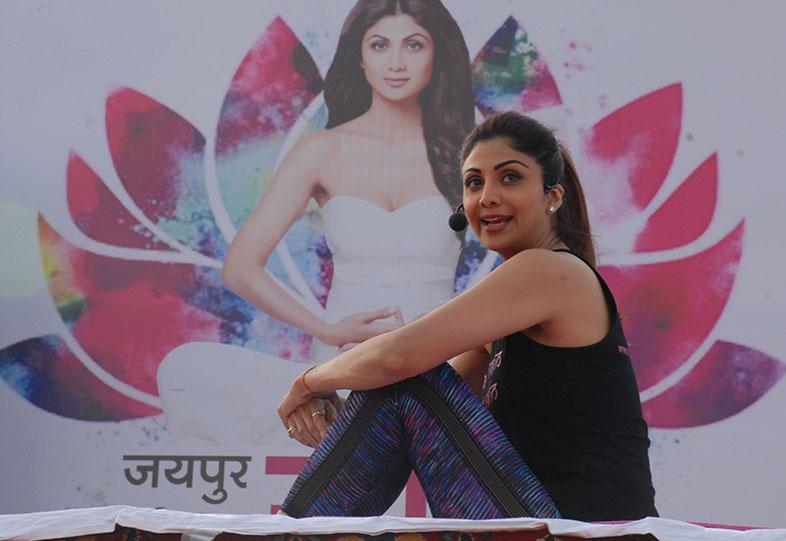 Shilpa shetty yoga class