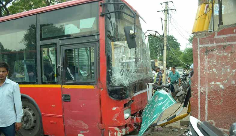 low floor bus accident at university mod jaipur