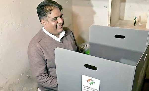bhupendra yadav voting